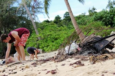 Beach clean-up in Cambodia