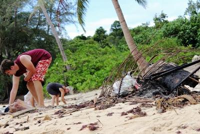 Beach clean-up in Cambodia