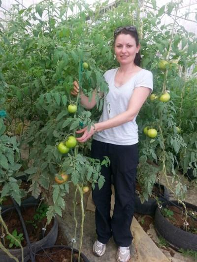 Projects Abroad Farming volunteer at her placement Jamaica