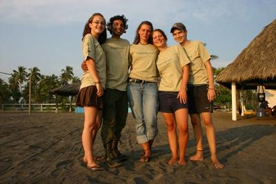Projects Abroad volunteers on the conservation based in Mexico